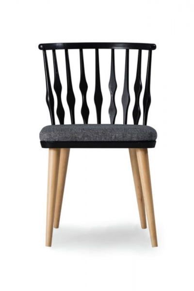 CÁCERES WOOD CHAIR